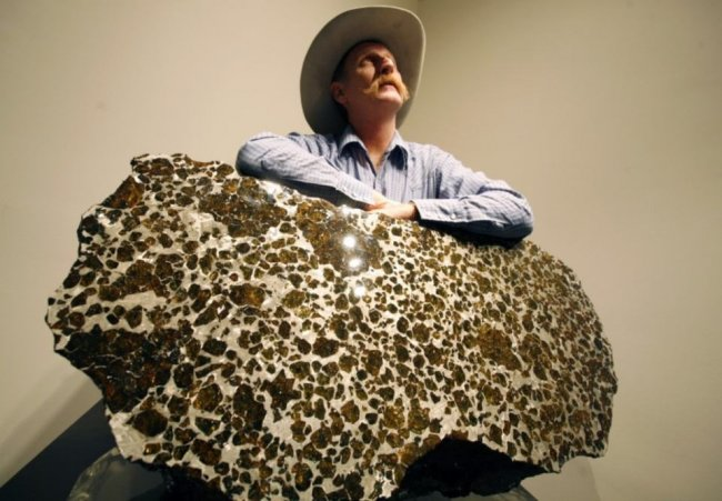 Метеорит Фукан (Fukang) — красивейший из найденных метеоритов