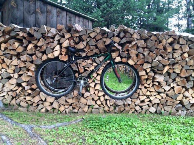 Творческий подход к укладке дров