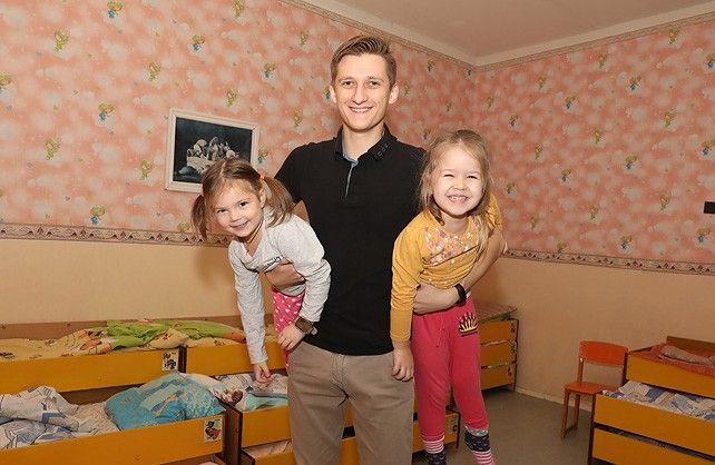 Не усатый, но нянь: как в белорусском детском садике работает мужчина-воспитатель