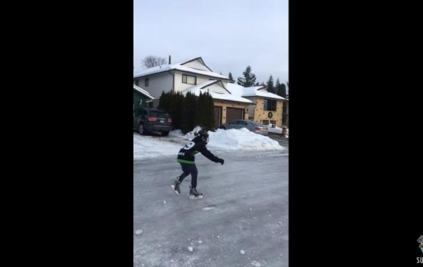 Морозы превратили канадскую дорогу в каток