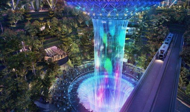 Аэропорт Чанги в Сингапуре продолжает впечатлять!!! Как на космической станции из фантастических рассказов.